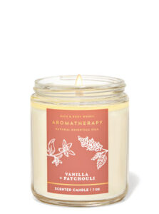 VANILLA PATCHOULI SCENTED CANDLE